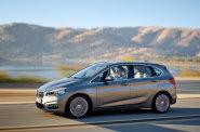 BMW je v kategorii rodinn�ch aut nov��kem. Jeho prvn� model se ov�em trefil do �ern�ho prostorem i vzhledem.