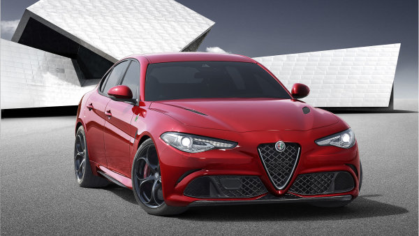 Alfa Romeo m� po letech nov� sedan. Giulia je kr�sn� a divok�