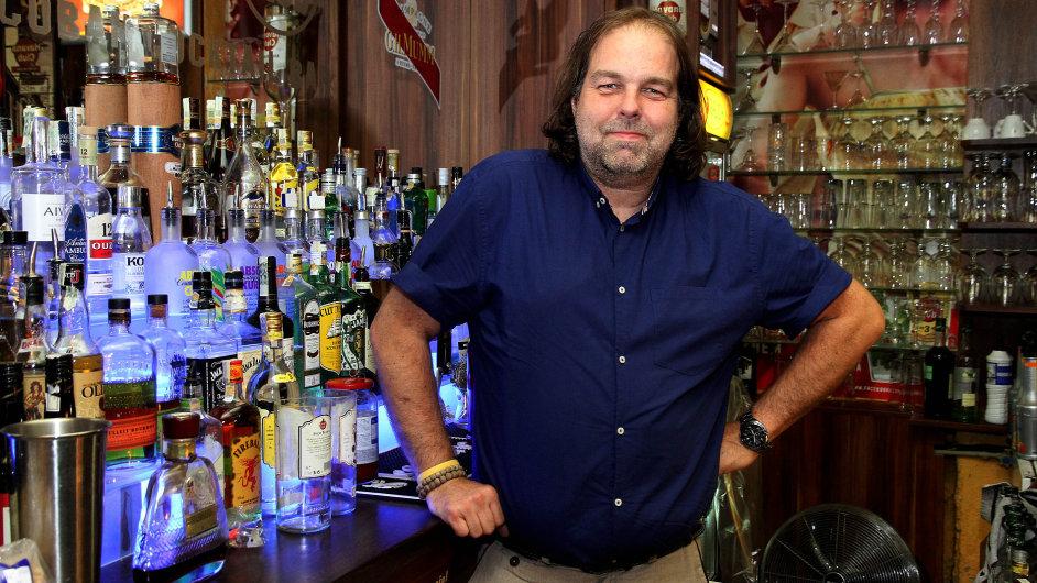Tomáš Duda, majitel baru OSA v Olomouci. 23. 6. 2015, foto: Libor Teichmann