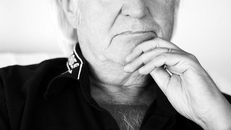 Spisovatel Henning Mankell vloni oznámil, že mu doktoři nalezli rakovinu.