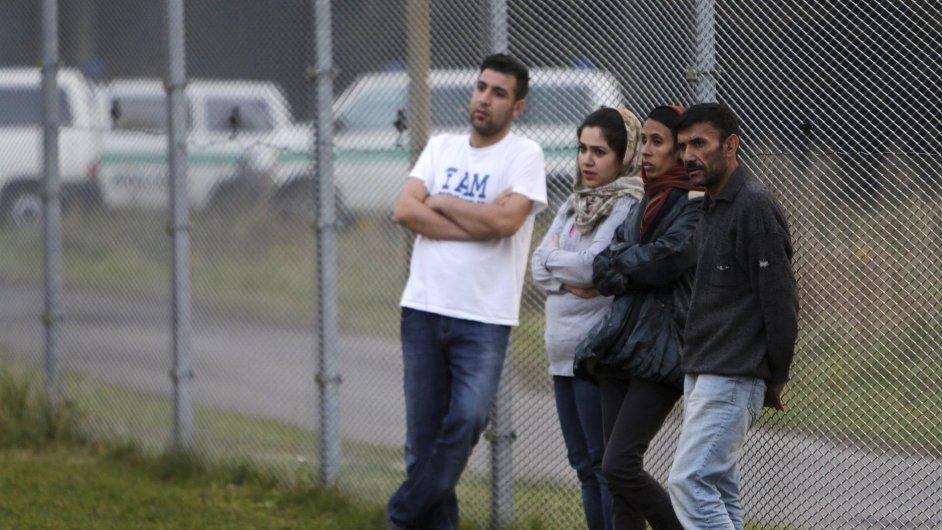 Imigranti v detenčním zařízení Bělá pod Bezdězem.