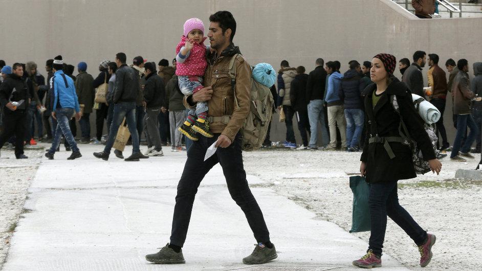 Rodina, uprchlíci, Řecko