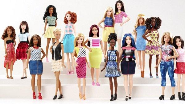 Panenka Barbie z�skala nov� ��esy i konfek�n� velikosti.