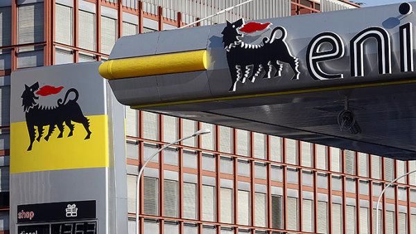 Italská ropná společnost Eni se v loňském roce propadla do ztráty 8,8 miliardy eur - Ilustrační foto.