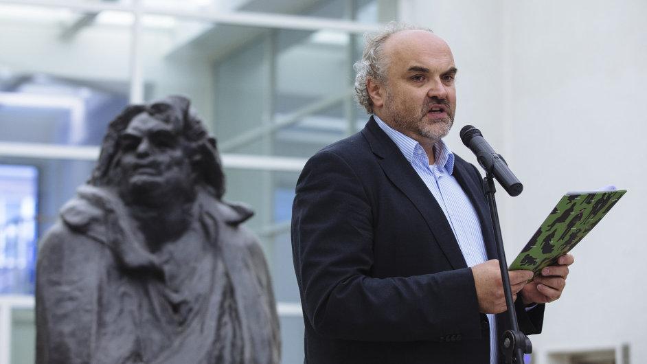 Ředitel Národní galerie Jiří Fajt na snímku z loňské vernisáže výstavy Umělci a proroci.