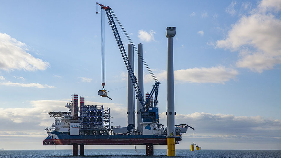 Společnost Dong Energy instalovala největší větrnou turbínu na světě.