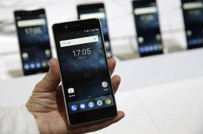 Naděje žije: Slušný levný telefon nemusí být fikce, pomůže Moto, Android One a hlavně Nokia