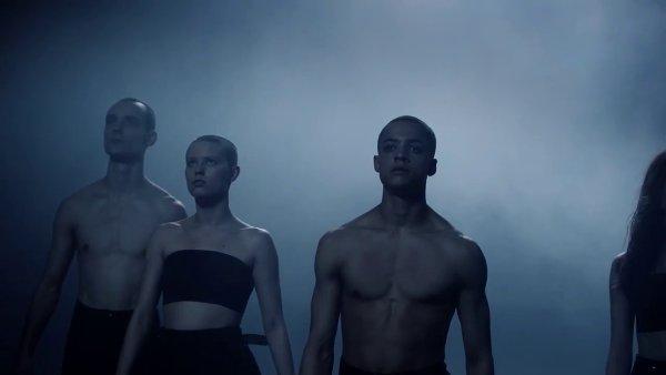 Snímek z videoklipu Goldfrapp.