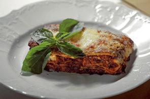 Lasagne: Připravte si italskou pochoutku na boloňský či neapolský způsob