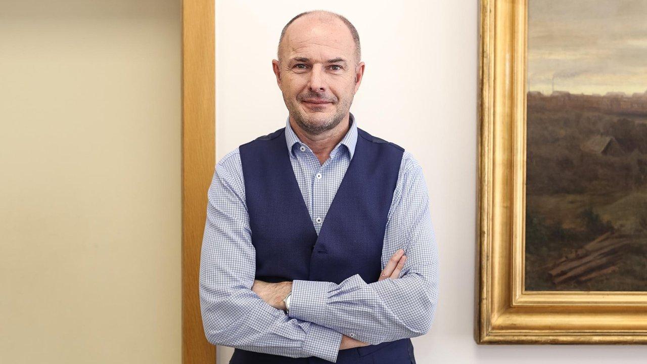 Josef Bernard vstoupil do ČSSD vroce 2015 a krátce poté byl zvolen lídrem kandidátky vloňských krajských volbách. Vnich pak získal pozici hejtmana.