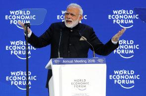 Indický premiér hájil v Davosu po zavedení nových amerických cel volný obchod. Globalizace ztrácí přitažlivost, varoval