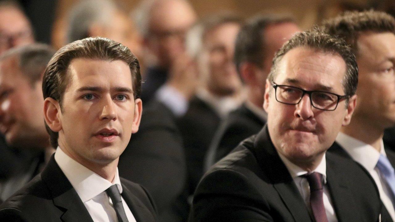 Rakouský kancléř Sebastian Kurz (vlevo) a vicekancléř a předseda FPÖ Heinz-Christian Strache.