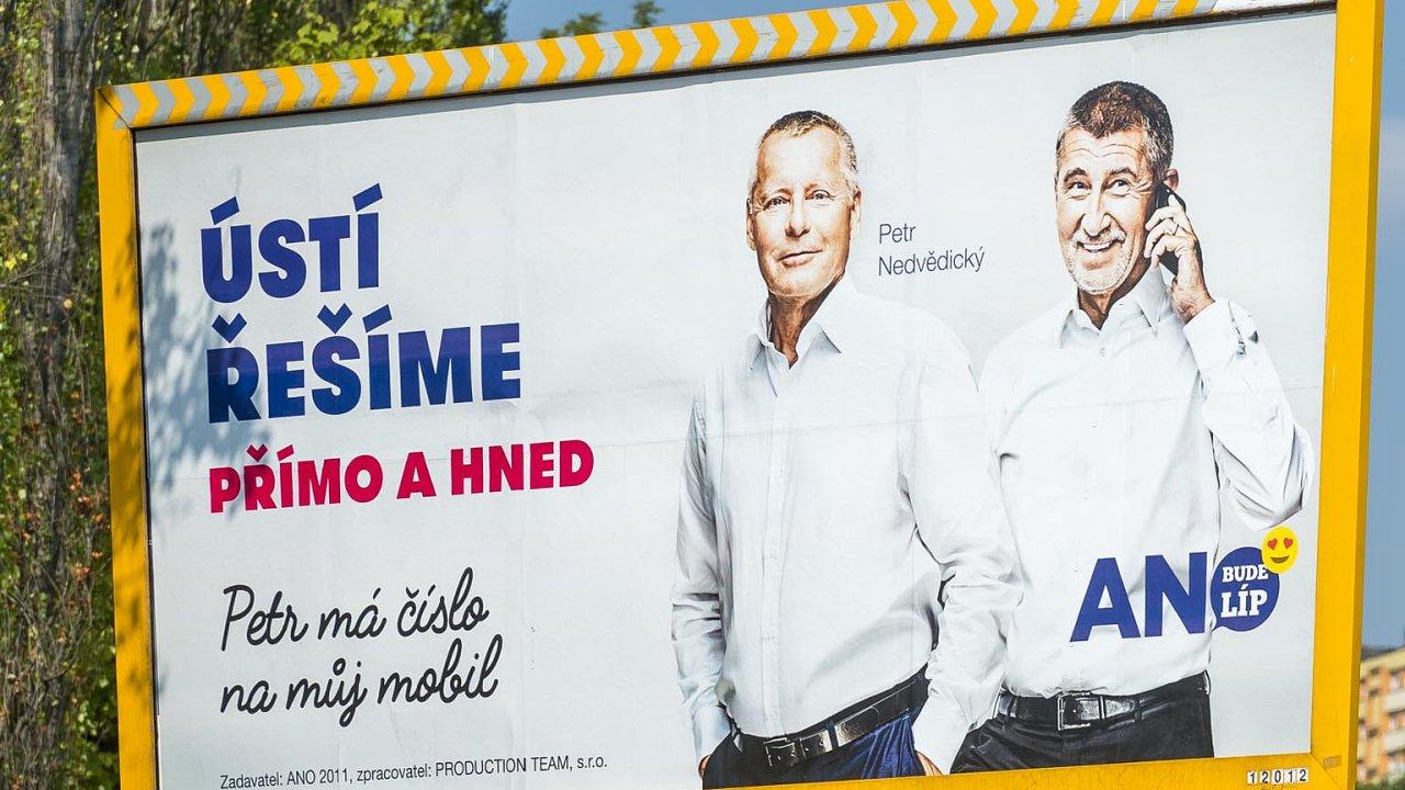 Komunální aněkde isenátní volby seblíží. Nejlépe otom svědčí množství billboardů aplakátů, které zaplavilo česká města.