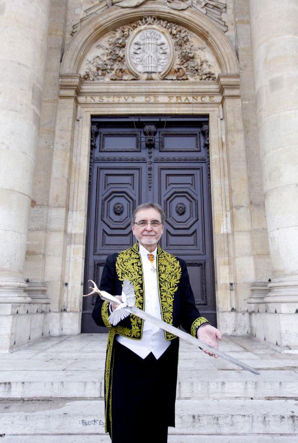 Český choreograf Jiří Kylián byl slavnostně uveden do křesla francouzské Akademie krásných umění.