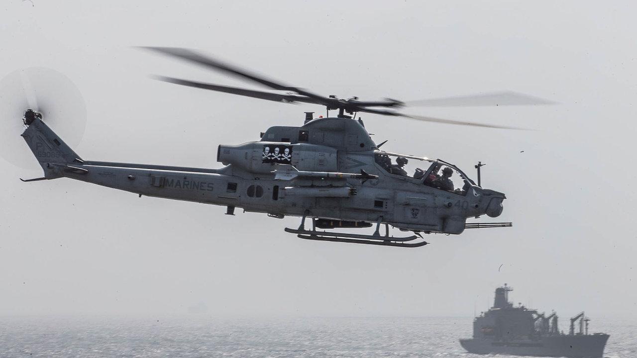 Vrtulníky naspadnutí. Česká armáda už jen čeká, až se vrtulníky americké společnosti Bell vyrobí. Jak budou dojejich oprav zapojeny české firmy, se však stále neví.
