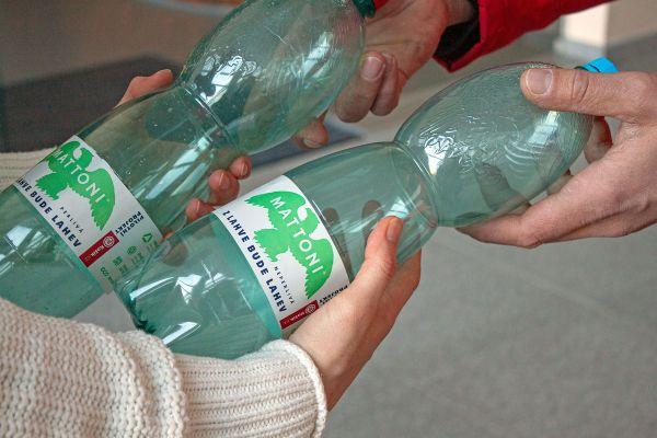 """Košík a Mattoni rozjely projekt """"Z lahve bude lahev"""""""