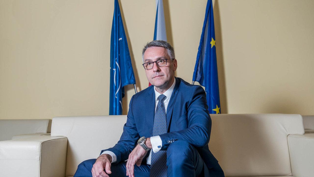 Dvojnásobně vyšší cena zaradary, než se kterou ministerstvo obrany původně počítalo, je podle ministra Lubomíra Metnara (zaANO) vpořádku.