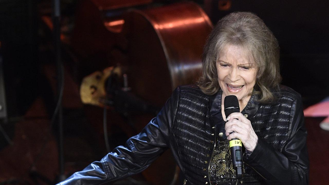 Snímek z koncertu Evy Pilarové