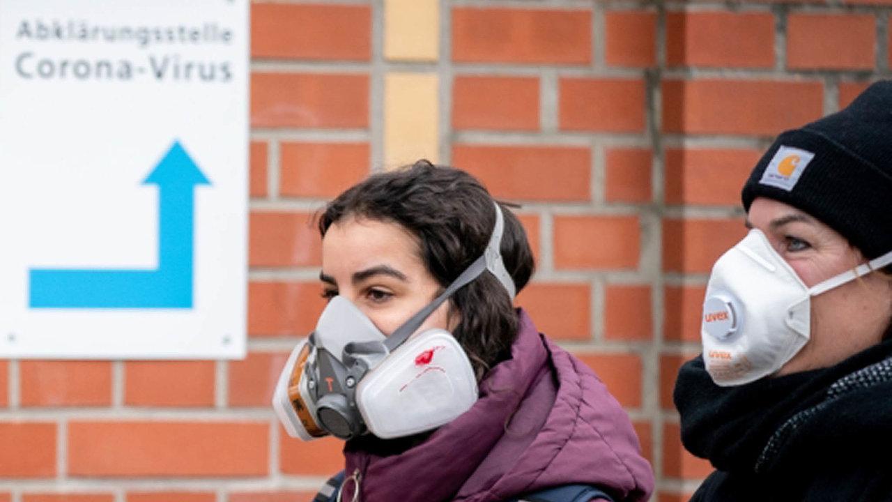Natesty tudy. Německo své občany masově testuje napřítomnost koronaviru. Vboji spandemií to významně pomáhá.