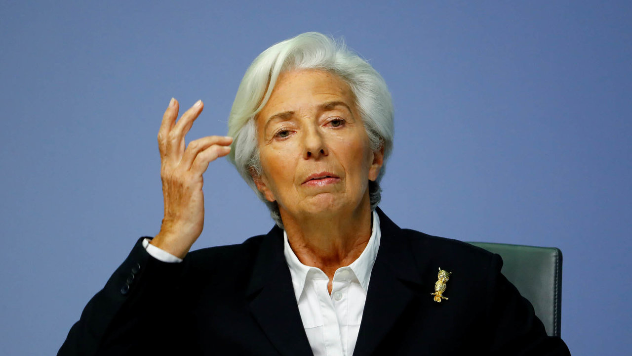 Názorový obrat. Změna postoje prezidentky Evropské centrální banky Christine Lagardeové kpandemii koronaviru mezi lednem abřeznem ilustruje obecný postup těchto institucí vsoučasné krizi.