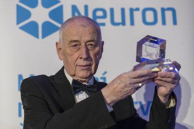 Nátlaku režimu nebyl ušetřen nikdo, ani takové kapacity jako dnes již zesnulý zakladatel dětské onkologie Josef Koutecký.