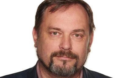 Michal Šmucr v minulosti kandidoval za SPD a podílel se na tvorbě jejího volebního programu. V případě, že by se SPD dostala do vlády, byl kandidátem na ministra školství.