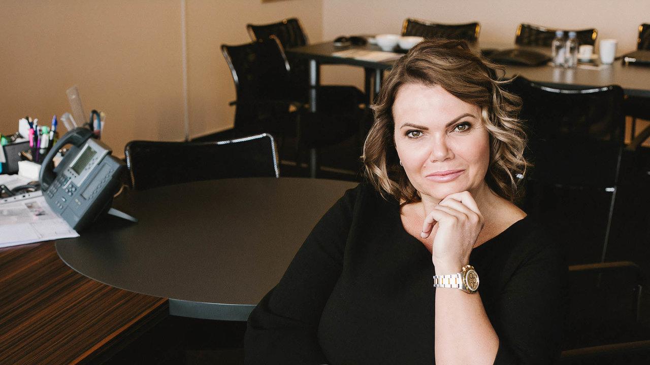 Karolína Topolová, generální ředitelka apředsedkyně představenstva Aures Holdings, pod kterou spadá největší síť autobazarů AAA Auto.