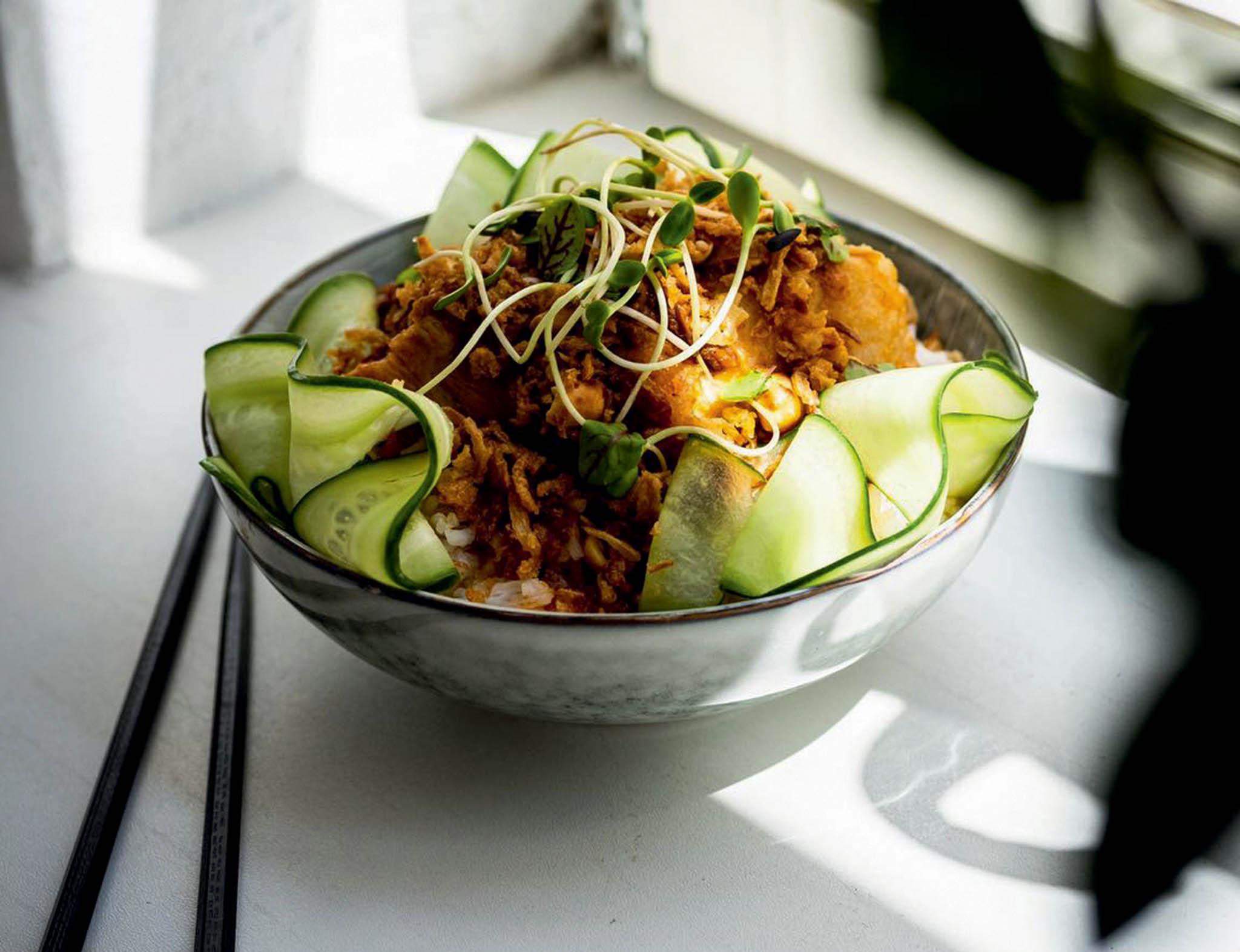Brno má nové místo, kam zajít navietnamskou kuchyni apro fotky krásného interiéru naváš Instagram. Ochutnejte bao knedlíček spomalu pečeným bůčkem asladkokyselou omáčkou nebo rýži sjackfruitem.