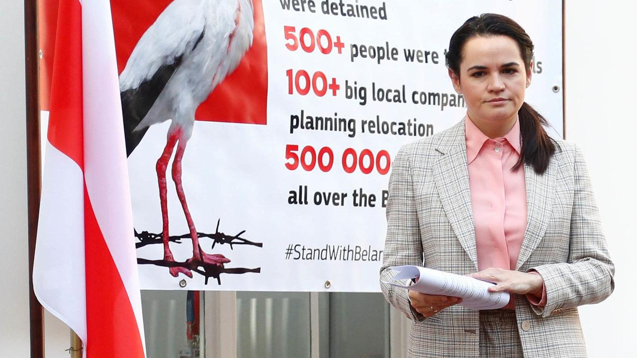 Svjatlana Cichanouská, hlavní tvář běloruské opozice, vyzvala vpondělí vBruselu nasetkáních vEvropském parlamentu asministry zahraničí kzavedení sankcí vůči režimu Alexandra Lukašenka.