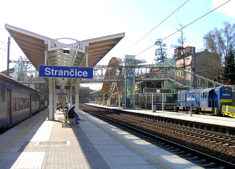 Strančice, vlakové nádraží