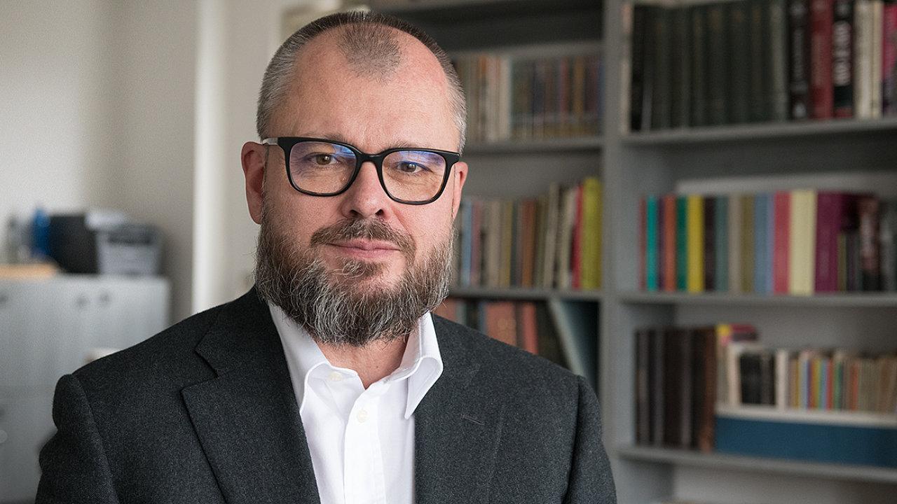 Michal Bregant říká, že kdo chce poznat okolnosti dnešní krize, může si přečíst Prekariát odGuye Standinga.