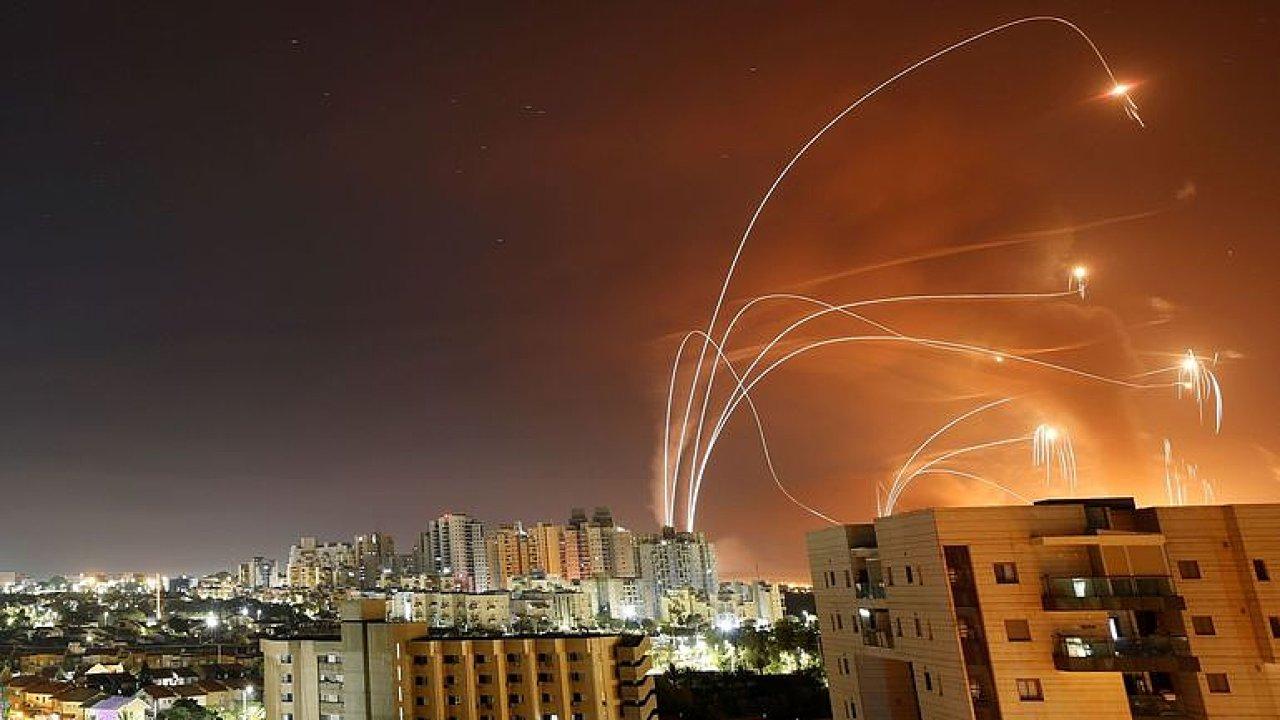 Je to tragický ohňostroj, Hamás bojuje za Araby ve východním Jeruzalémě, říká Tureček.