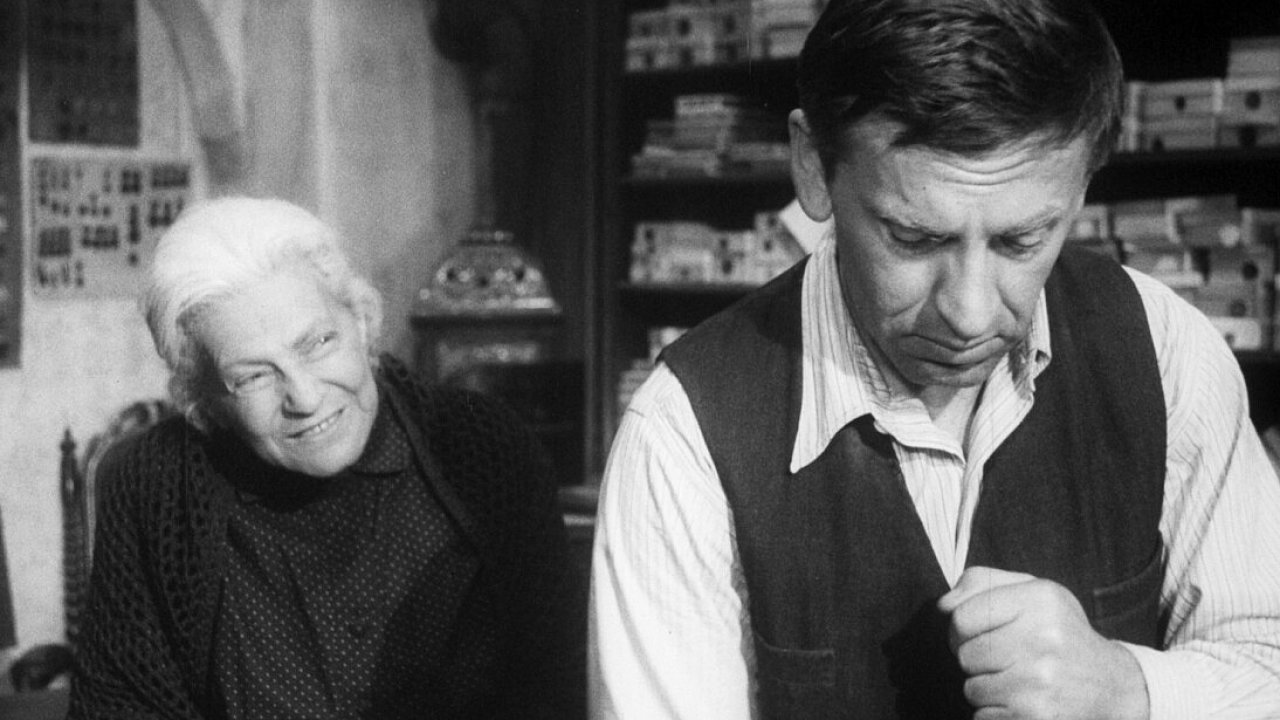 Snímek z filmu Obchod na korze. Oscarový titul uvádí Dafilms.