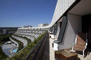 Komunistický VIP Hotel Praha má nového majitele. Rozdal výpovědi padesáti zaměstnancům