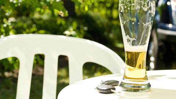 V letech 2009 a 2010 poklesl výstav českých pivovarů o 14,5 procenta. Nealkoholické pivo byl jediný segment, který si udržel růst.