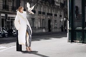 Podpatky z plexiskla, kabát naruby. Podívejte se, co navrhl Maison Martin Margiela pro H&M