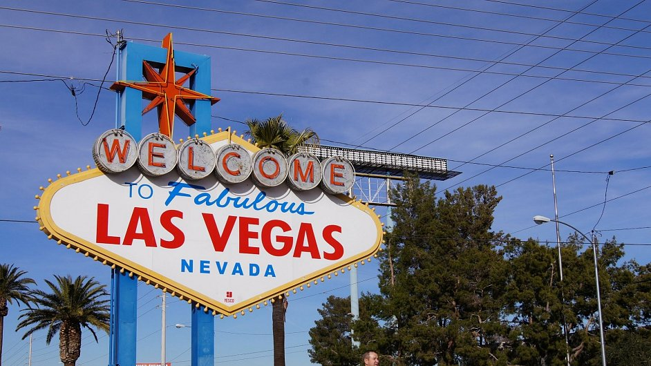 Slavná cedule vítající návštěvníky Las Vegas, které je domovem veletrhu International CES.