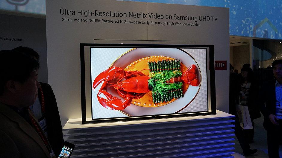 Prezentace přehrávání videa v UltraHD rozlišení ze služby Netflix na televizoru Samsung