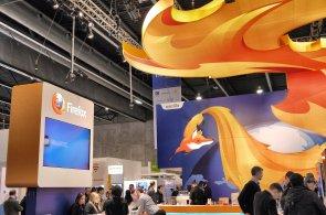 HN Tech News: Více reklamy ve Firefoxu, méně svobody v Chromu a 200 milionů licencí Windows 8