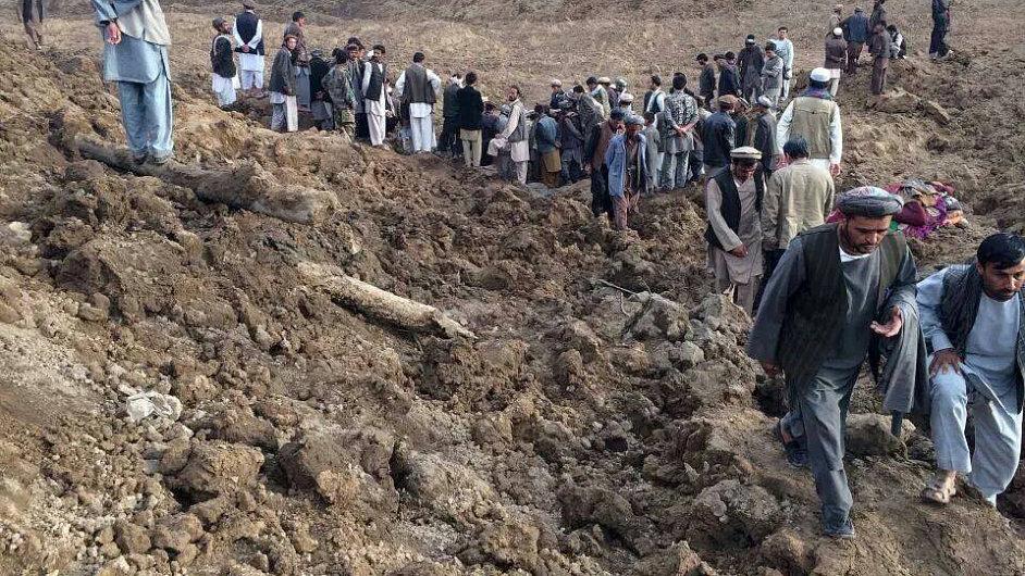 V Afghánistánu hledají oběti sesuvu půdy.