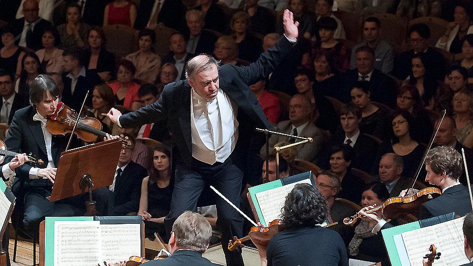 Gergijev při pátečním koncertu s Českou filharmonií v Rudolfinu
