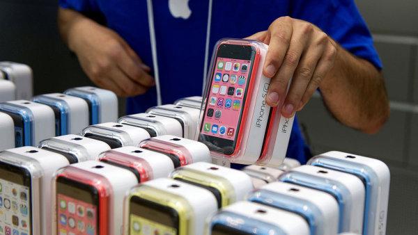 iPhone 5c a 5s, ilustrační foto