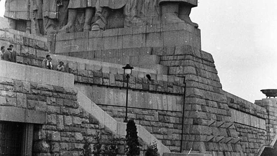 Stalinův pomník stál na pražské Letné do roku 1962.