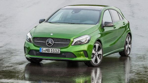 Luxusn� trpasl�k Mercedes A dostal novou tv�� i v�konn�j�� motory