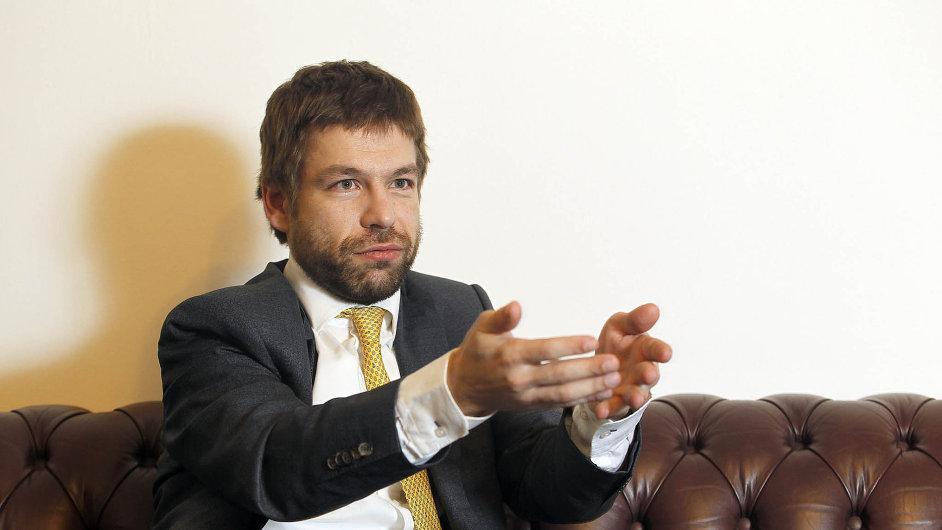 Přísnější přístup. Ministr Robert Pelikán chce zavést pro soudní znalce novou vstupní zkoušku.
