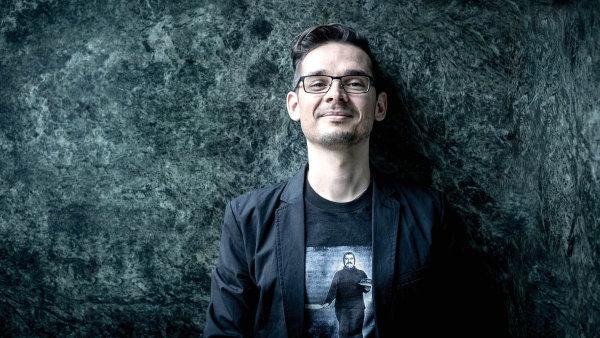 Soudobá vážná hudba je něco jako primární vědecký výzkum, říká Miroslav Srnka.