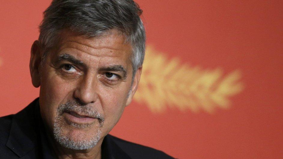 George Clooney na festival v Cannes přijel se snímkem Money Monster, jejž natočila Jodie Fosterová.