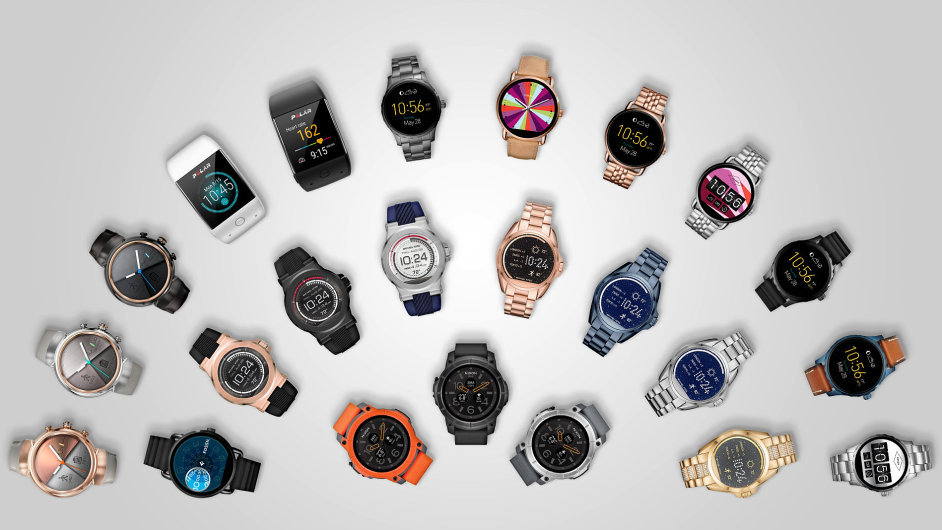 Přehlídka hodinek se systémem Andorid Wear uvedených na trh v letošním roce. V ČR je nabídka mnohem chudší.