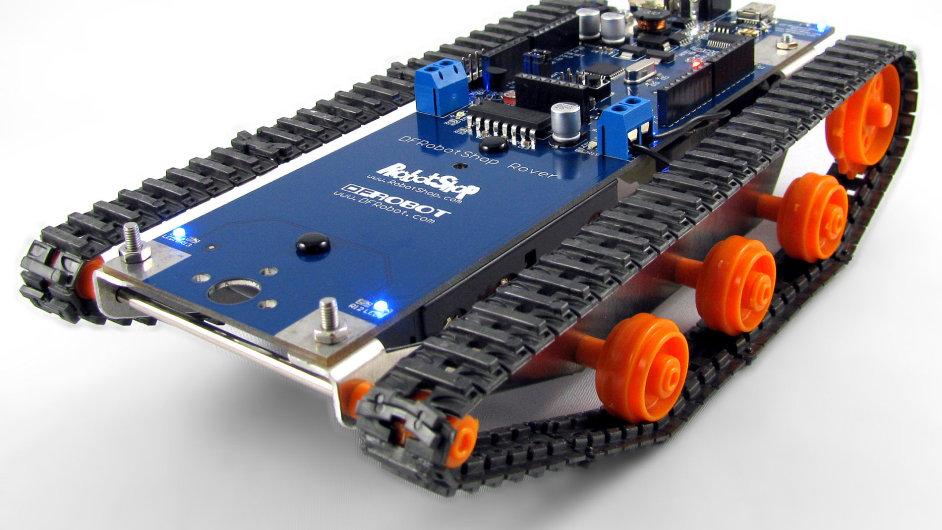 DFRobotShop Rover V2 - jednoduchý robot poháněný Arduinem