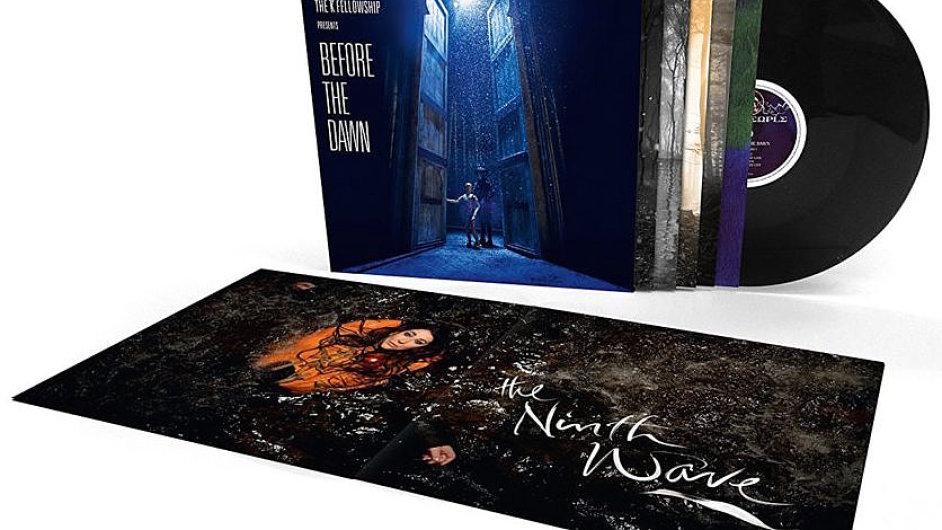 Nejprodávanější vinylovou deskou v Británii je nahrávka Before The Dawn anglické zpěvačky Kate Bushové.